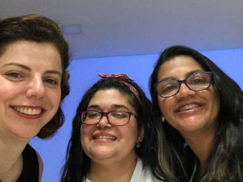 Colégio Novo Espaço - Escola de Pais: O benefício da felicidade para família